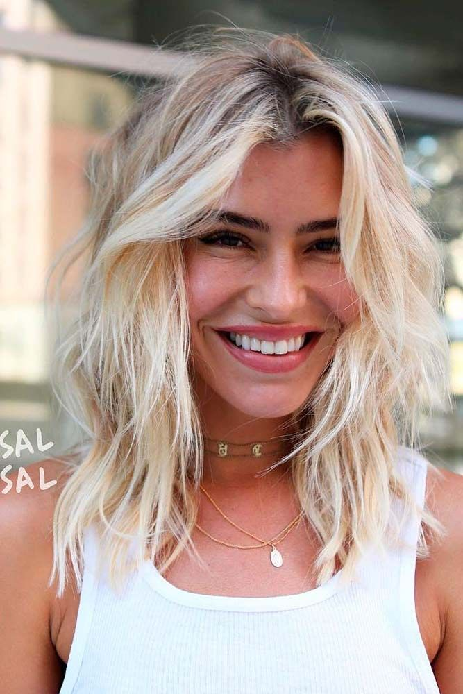 Messy Blonde Layeres #messyhairstyles #blondehair ★ Love medium layered haircuts? Lots of ideas for thin and thin hair, styles for straight and curly hair texture, trending hairstyles with bangs and many inspo cuts are here! #glaminati #lifestyle #mediumlengthlayeredhaircuts