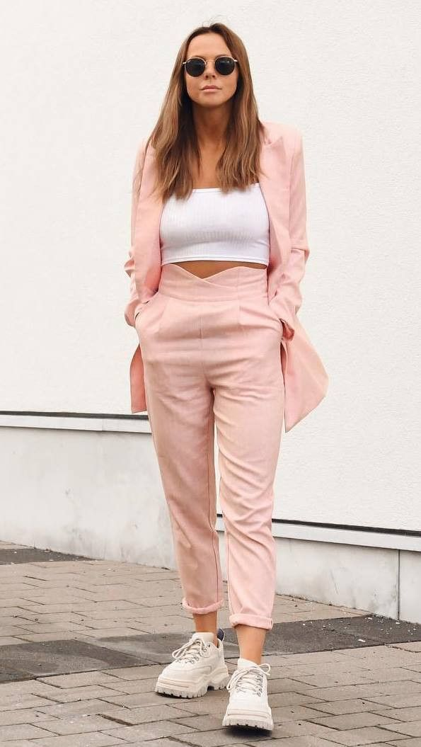 casual look | pink suit white crop top sneakers
