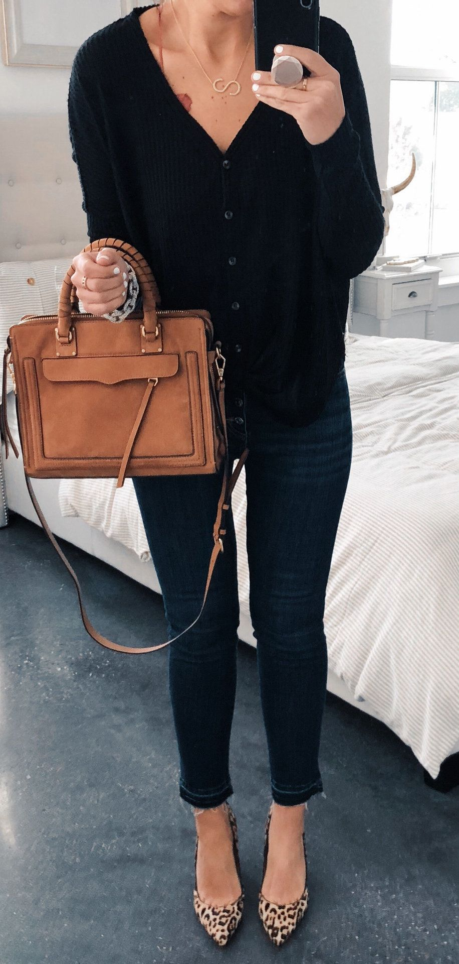 brown leather tote bag with brown leather belt #spring #outfits