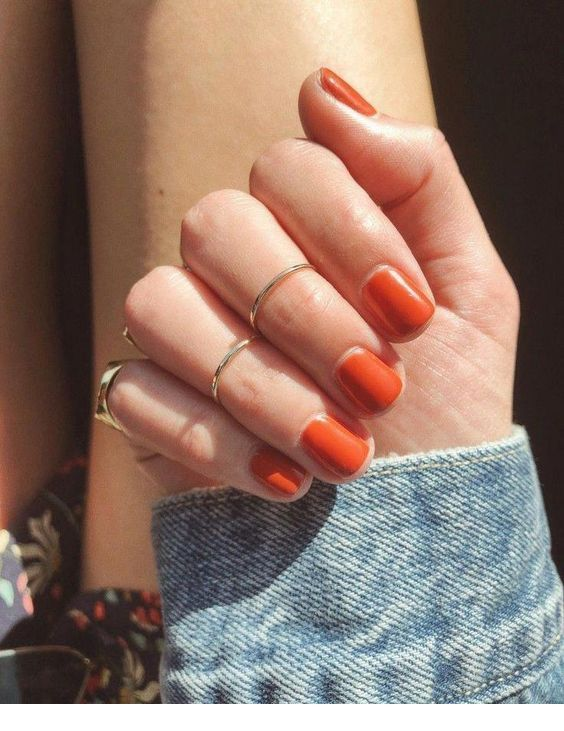 Just a simple orange manicure