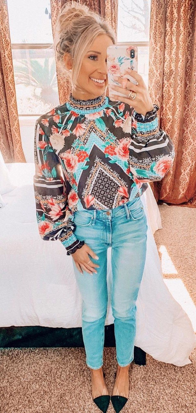 blue and multicolored floral blouse and blue denim jeans #spring #outfits