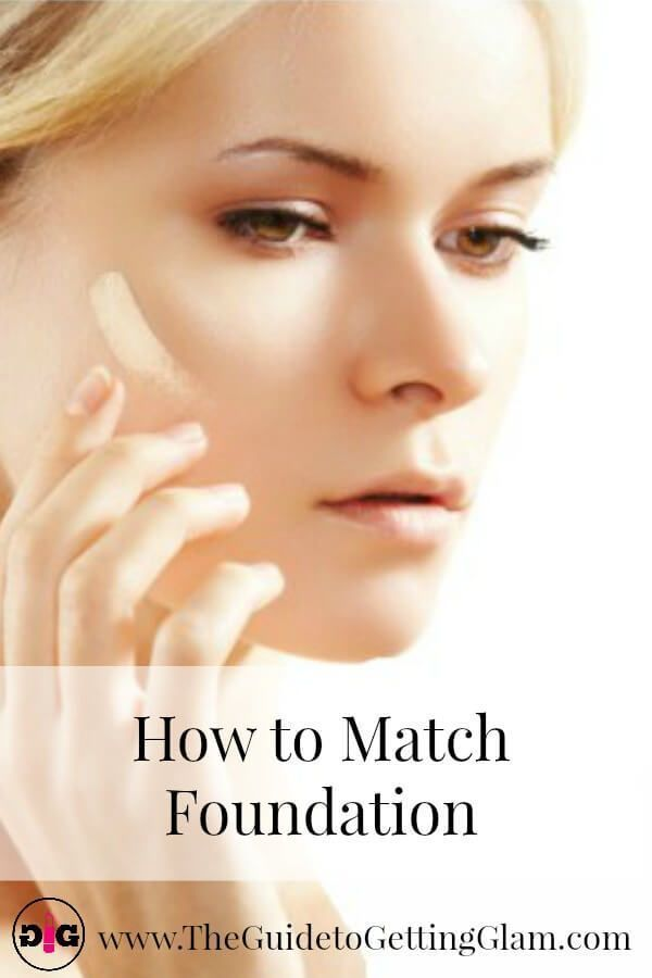 How to match foundation quickly! Want to know how to quickly get the right foundation to match your skin? Click to read a Pro Makeup Artist's tips on how to match foundation when you are on the go. #makeupartist #foundation #matchfoundationtoskinmakeuptips #howtomatchfoundation