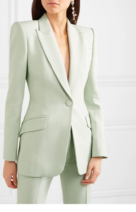 Simple suit for office