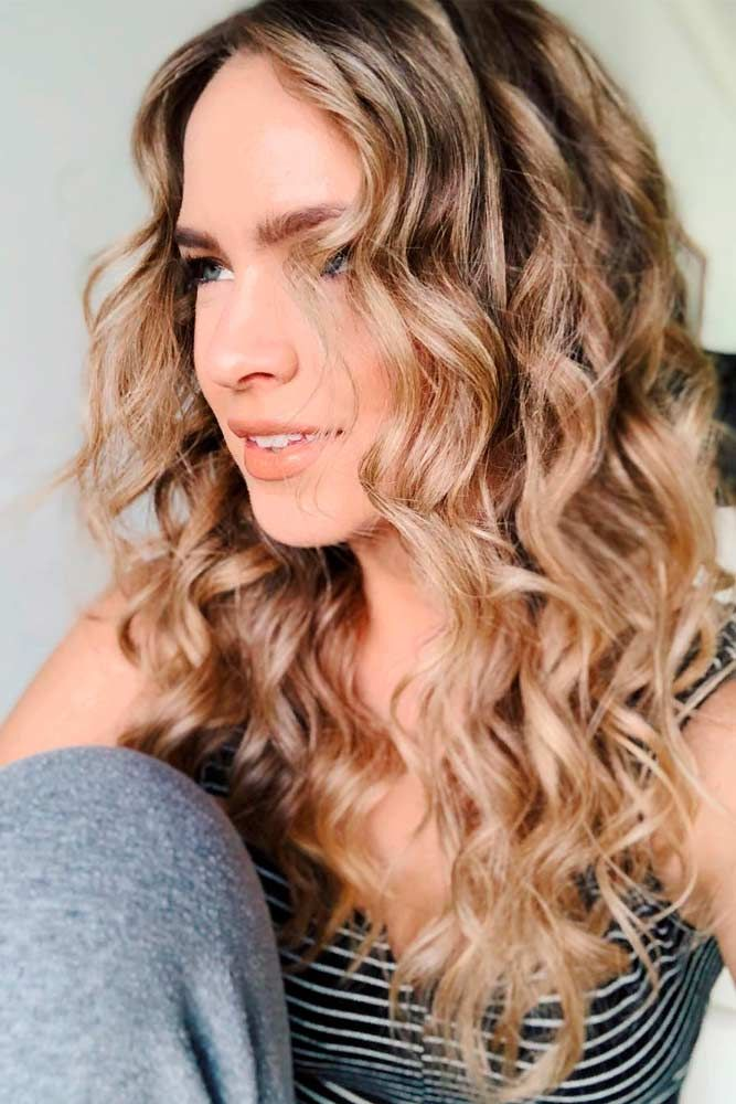 Long Curly Broen Hair #curlyhair #brownhair ★ Spring break is approaching, and easy hairstyles that look pretty will come in handy whether you have an active or a passive vacation. See our collection. #glaminati #lifestyle #easyhairstyles
