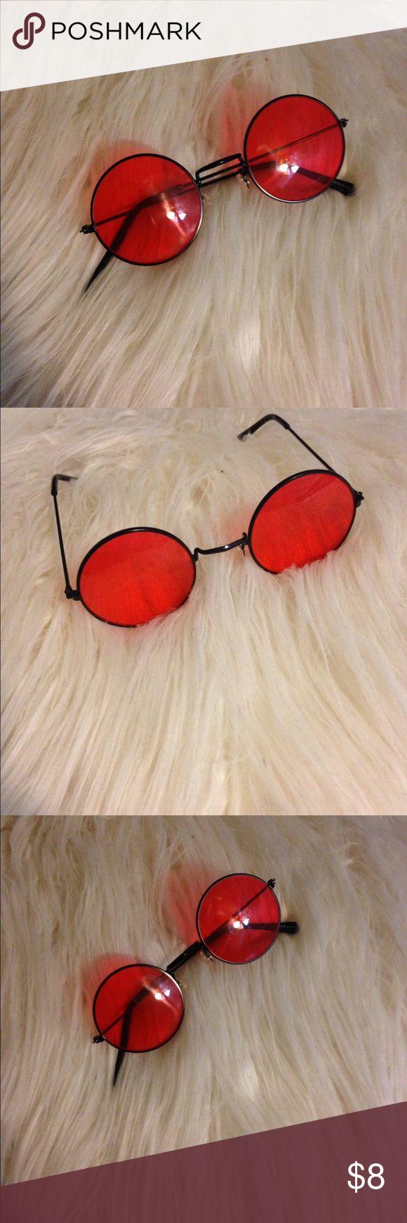 Rylee Bruestle's 'in #vybez Pinterest Resmi (160792649177281005) - Red Lennon Glasses 🌹🍒