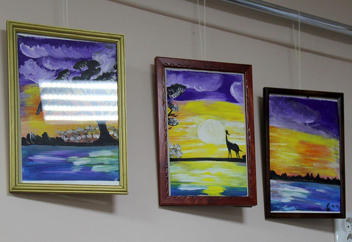 Работы Елены Шевальской на выставке