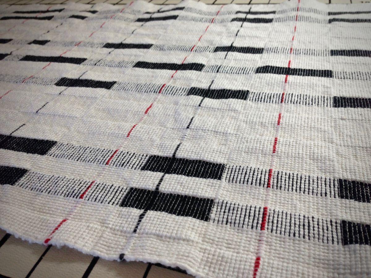 Handwoven cottolin towel - wet finishing.