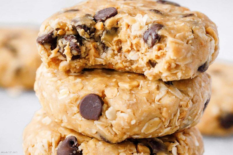 No-Bake Peanut Butter Cream Cheese Oatmeal Cookies