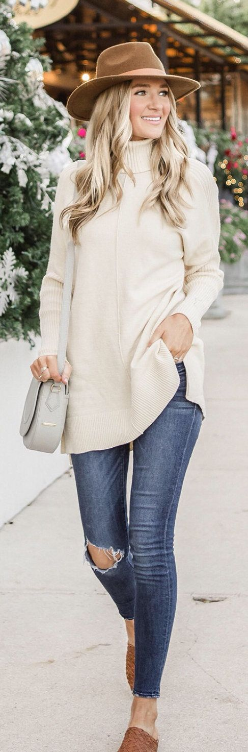 beige turtleneck long-sleeved shirt