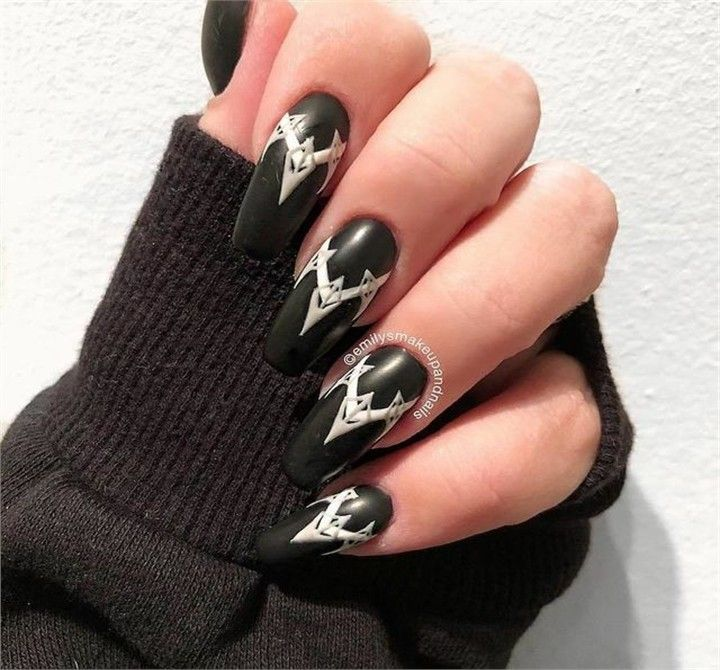 Trendy Black Panther Nail Art that are straight out of Wakanda – Fashonails