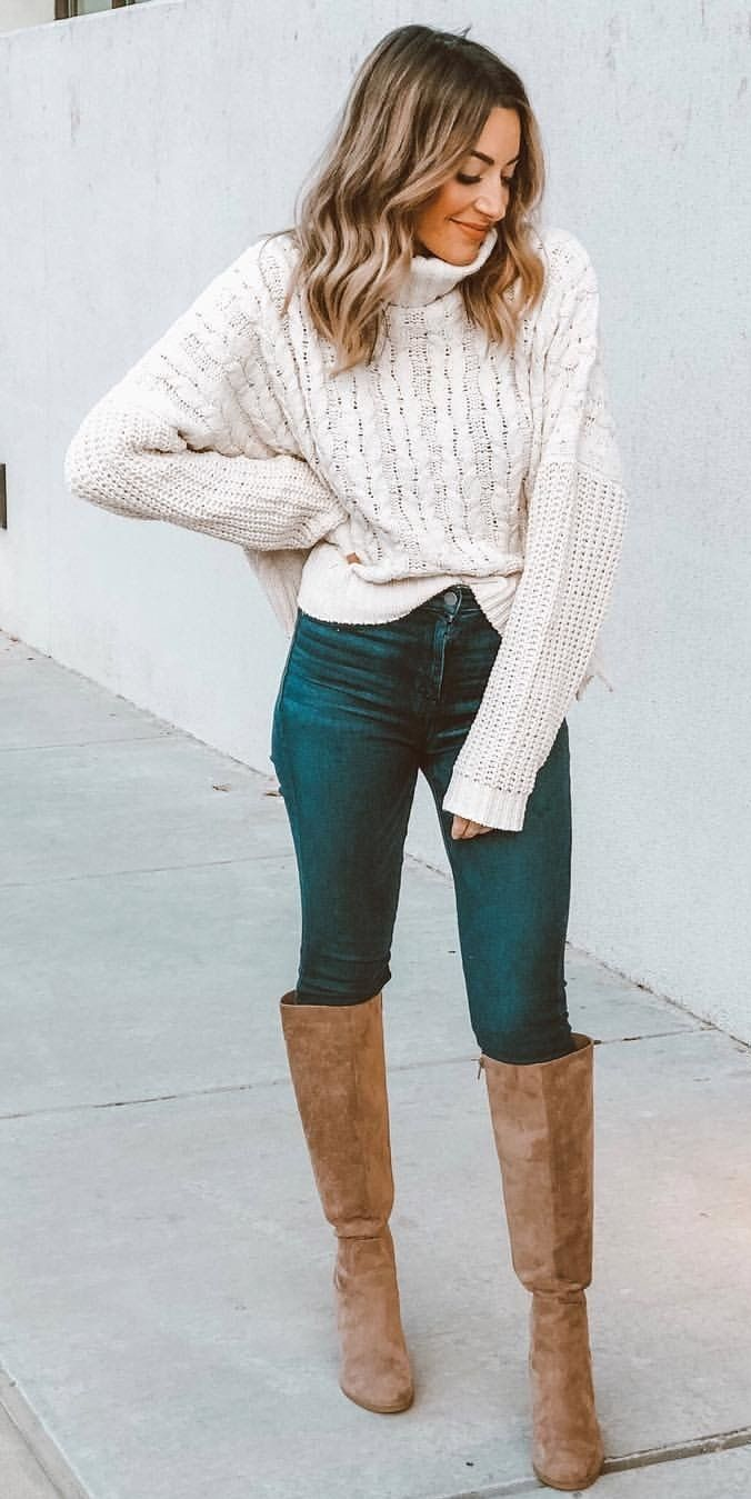white cable knitted sweatshirt