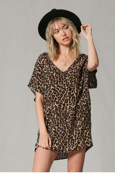 Nice leo dress and a hat