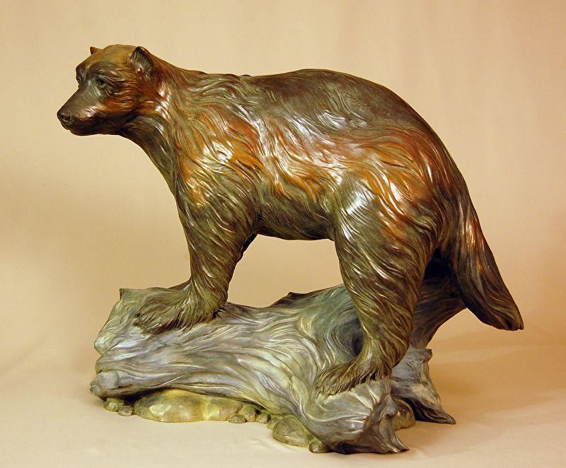 Wolverine. Bronze. Gary Alsum (escultor americano). Criado para a Traut Elemntary Core Knowledge School em Fort Collins, estado do Colorado, USA.