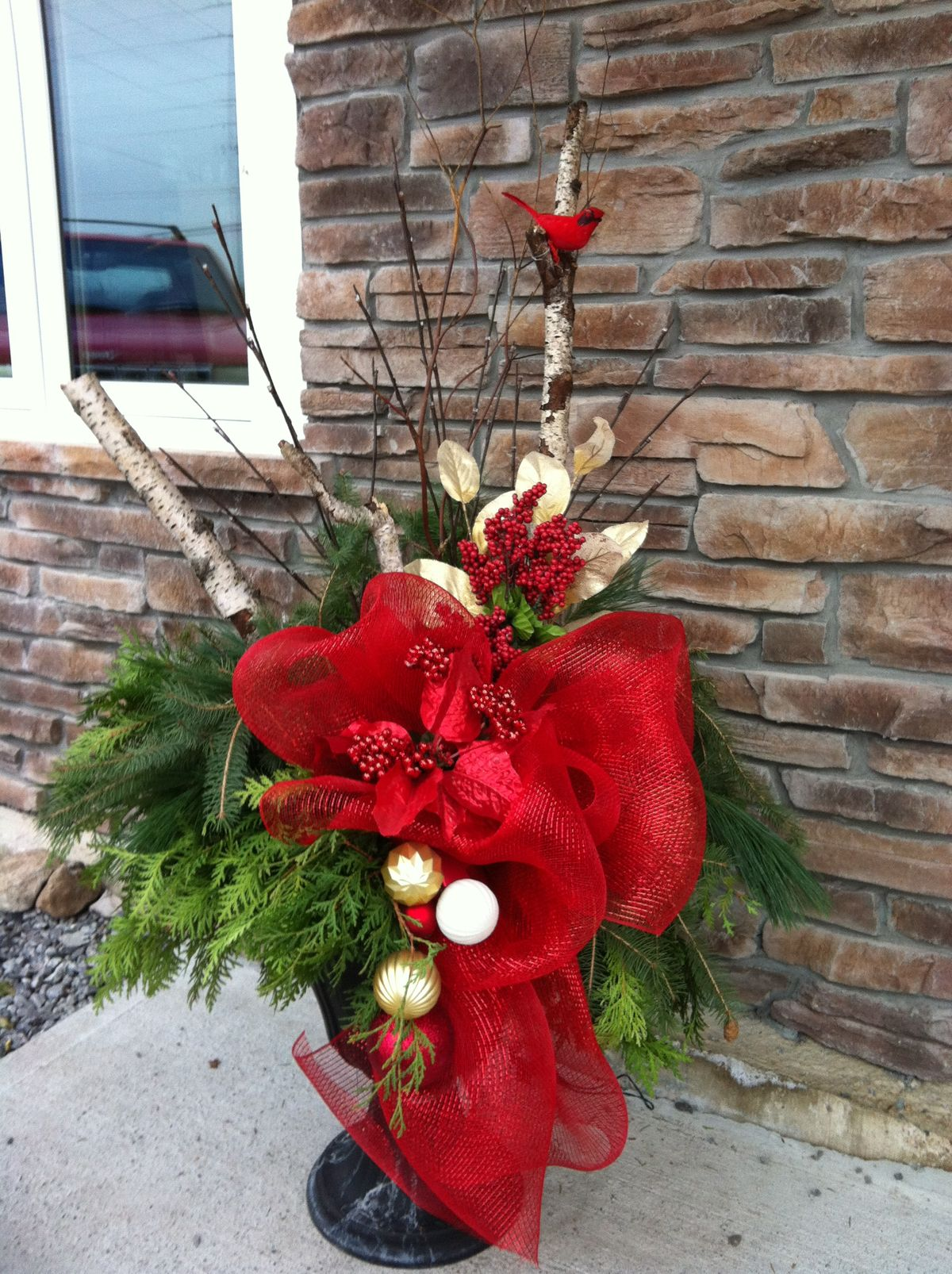 1000+ images about Christmas garden planters on Pinterest ...