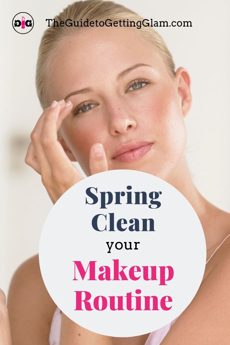 Learn these makeup tips to help you declutter and spring clean your makeup drawer! In this free email class you will learn how to eliminate makeup you don't need, organize your makeup collection and build your basic makeup kit with Makeup Artist recommendations. #springcleaning #makeuptips #organize