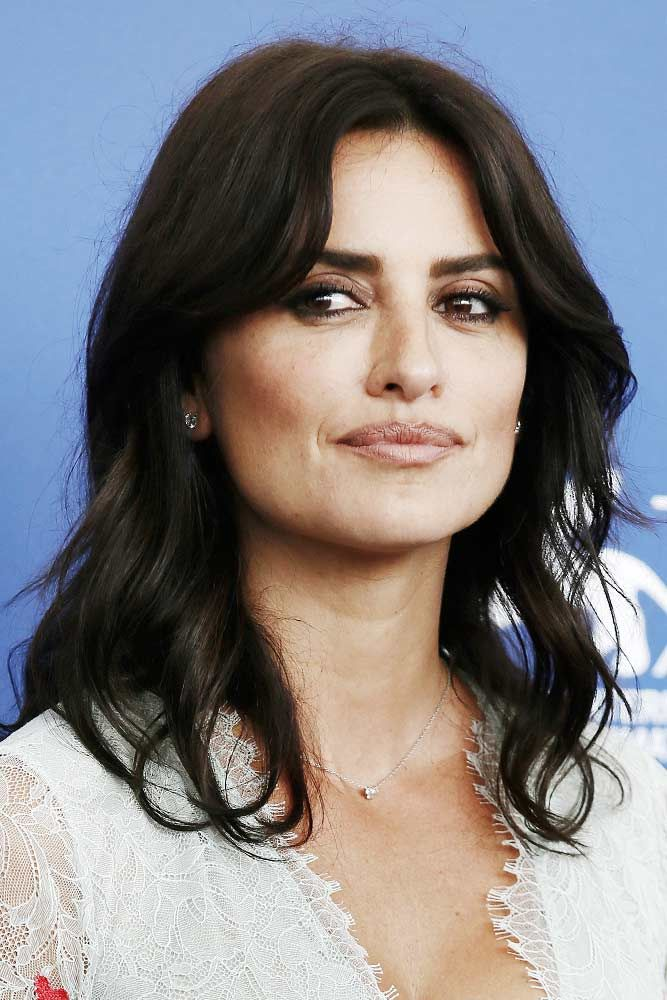 "Layered Thick Bob With Waves <a class=""pintag"" href=""/explore/penelopecruz/"" title=""#penelopecruz explore Pinterest"">#penelopecruz</a> <a class=""pintag"" href=""/explore/brunettehair/"" title=""#brunettehair explore Pinterest"">#brunettehair</a> ★ Medium length hairstyles have a big number of perks, and that is why women all around the world choose to sport them. Any woman can find a flattering style for her. To help you do that, we have created a photo gallery featuring the most complimenting styles. ★ <a class=""pintag"" href=""/explore/glaminati/"" title=""#glaminati explore Pinterest"">#glaminati</a> <a class=""pintag"" href=""/explore/lifestyle/"" title=""#lifestyle explore Pinterest"">#lifestyle</a> <a class=""pintag"" href=""/explore/mediumlengthhairstyles/"" title=""#mediumlengthhairstyles explore Pinterest"">#mediumlengthhairstyles</a><p><a href=""http://www.homeinteriordesign.org/2018/02/short-guide-to-interior-decoration.html"">Short guide to interior decoration</a></p>"