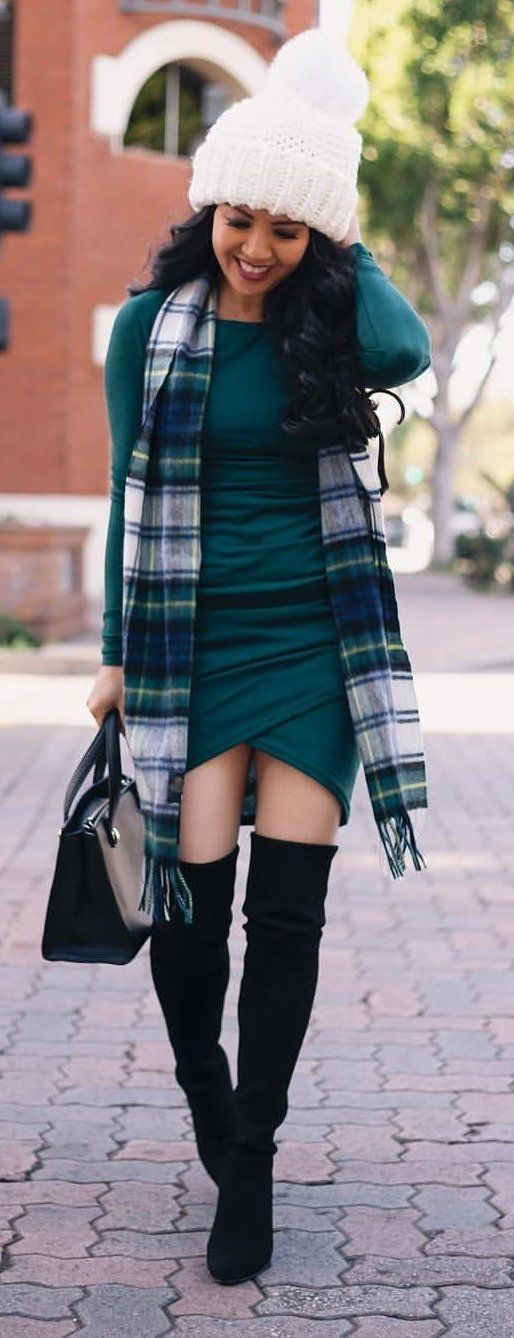 green crew-neck long-sleeved dress