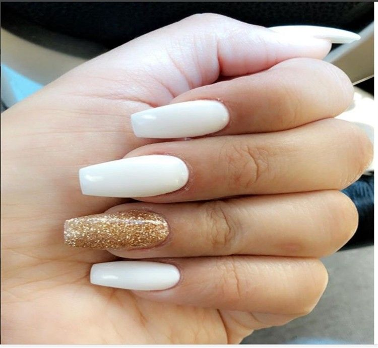 30+ Elegant White and gold Nail Art Designs trends nails – Fashonails
