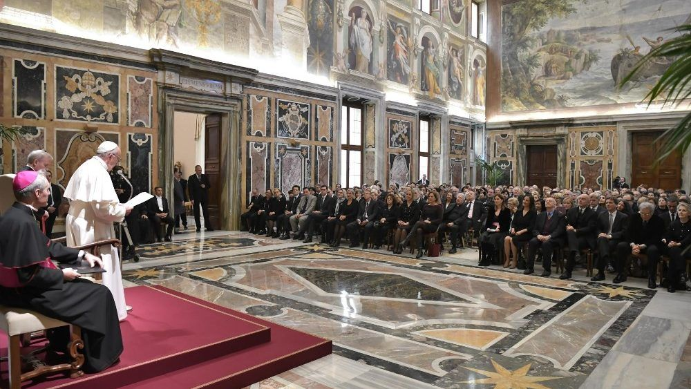 Pope calls for humble and free journalism that serves truth and goodness – Vatican News