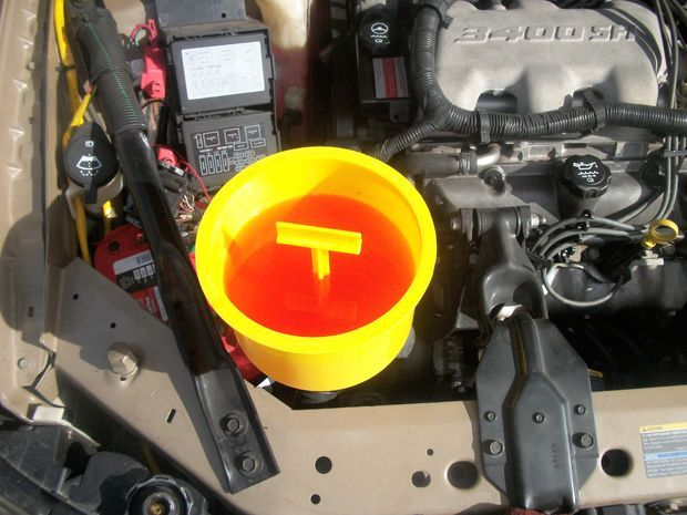 Jolly Roger's 'の #waterjump Pinterest イメージ(336010822185146367) - How to Burp Your Car's Cooling System