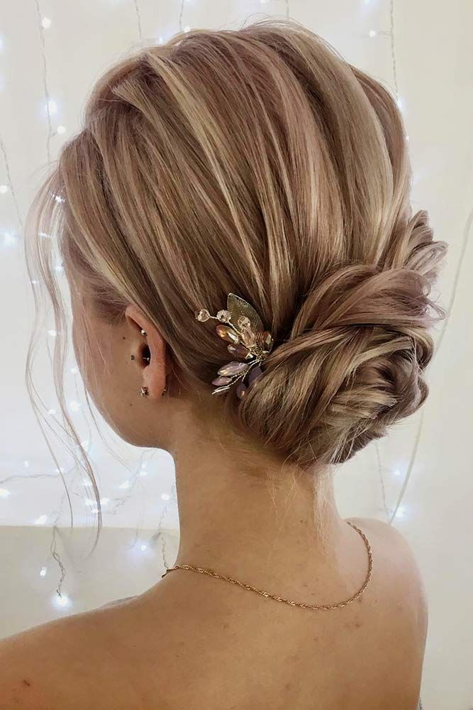 Stunning Medium Hair Bun #blondehair #bunhairstyles ★ Cute and easy shoulder length hairstyles for thin and for thick hair can be found here. These styles can work for adult women and for teens. #glaminati #lifestyle #shoulderlengthhairstyles