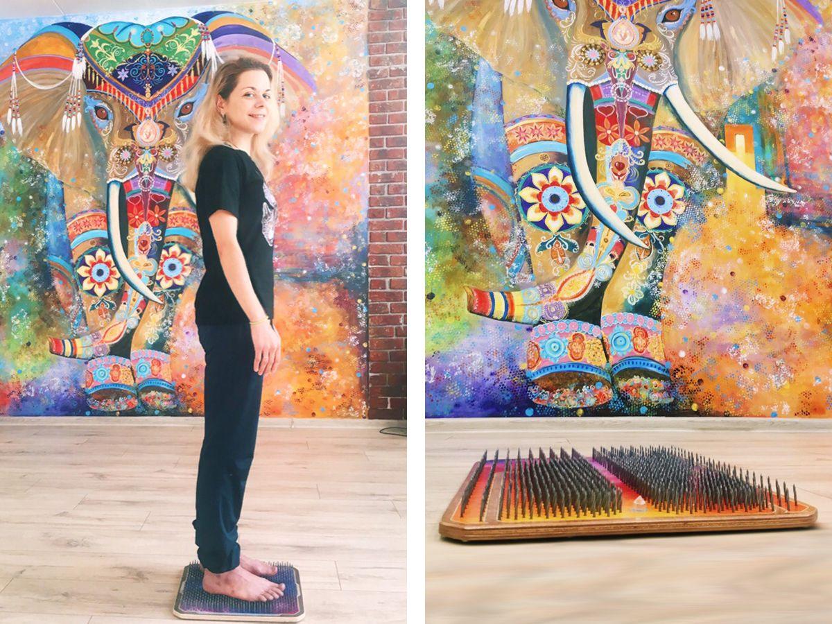 В студии йоги и танца Акуна Матата на доске Садху