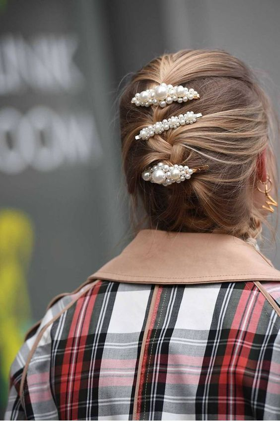 Hair pins with pearls and a briad