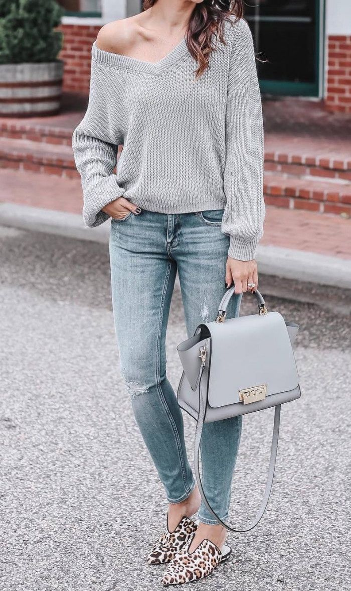 simple fall outfit | v-neck one shoulder sweater bag jeans loafers