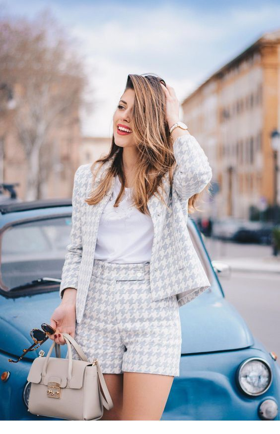 Lovely printed suit for chic office look