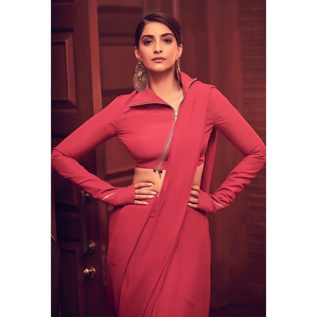 Like It 👍 or Love It 😘 Sonam Kapoor Ahuja looks Super ...
