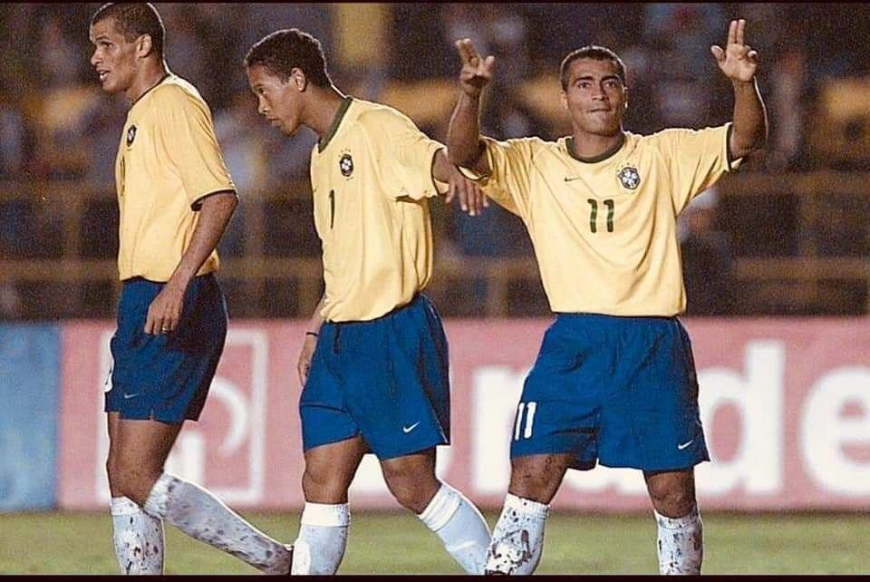 Rivaldo Ronaldinho y Romario algo sabían | Fútbol, Lugares