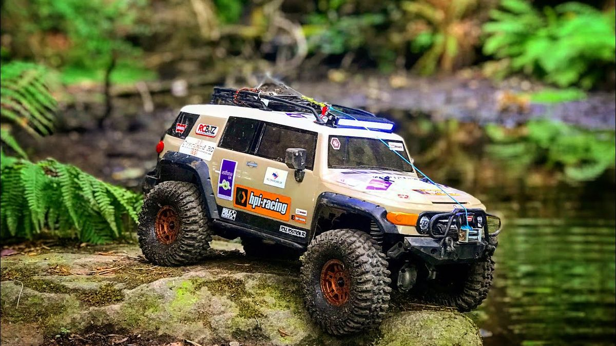 RC CRAWLING UK HPI Venture & Axial SCX10 go for a little adventure at Ri...