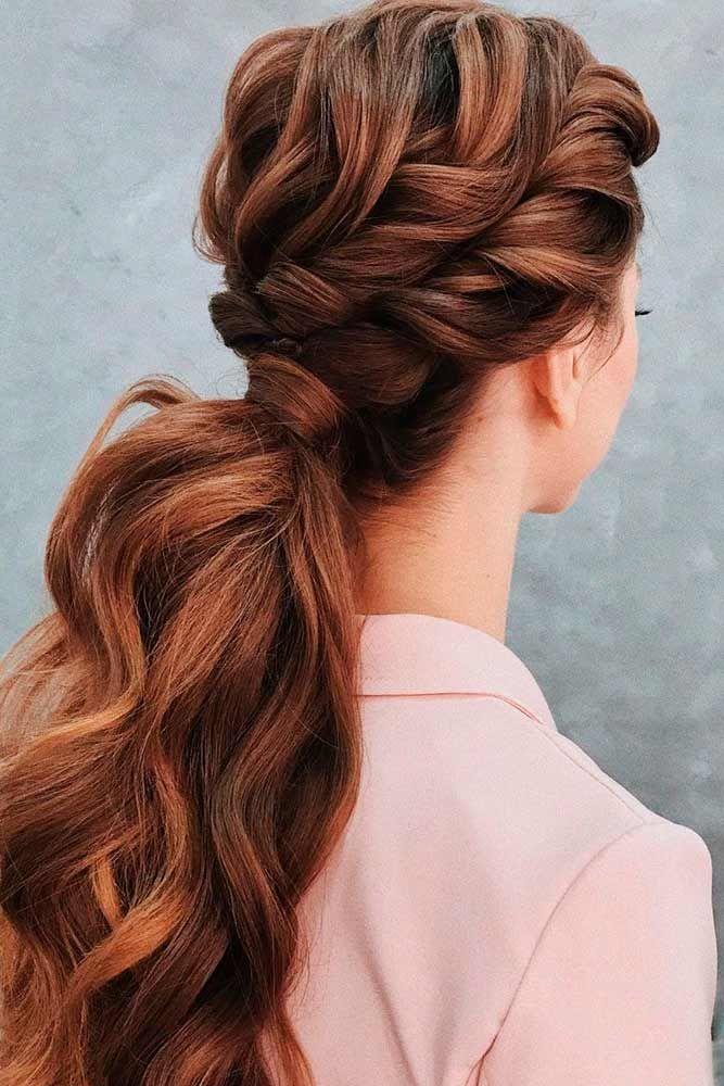 Twisted Low Ponytail #twistedhairstyles #lowponytail ★ Are you looking for cute hairstyles that are trendy, as well? We have gathered the loveliest hairstyles that are ideal to wear on a first date. #glaminati #lifestyle #cutehairstyles