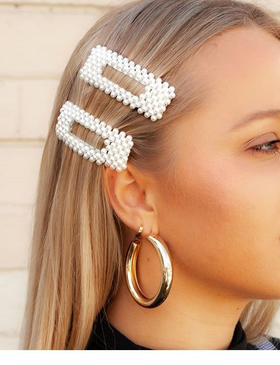 Big earrings and accessories | Inspiring Ladies