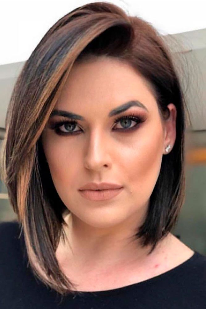 Side Parted Sleek Bob #sleekhair #brownhair ★ Bob haircuts will never lose their popularity. Whether short or long, angled or stacked, straight or wavy, a bob looks awesome. #glaminati #lifestyle #bobhaircuts