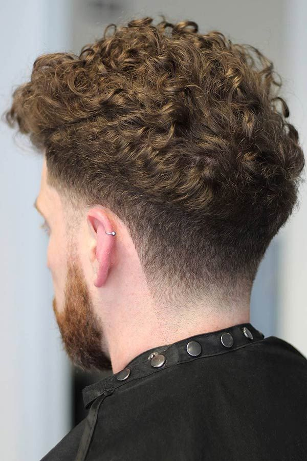 Low Fade With Curly Top  #fade #fadehaircut #curlyhairmen #menshaircuts #menshairstyles