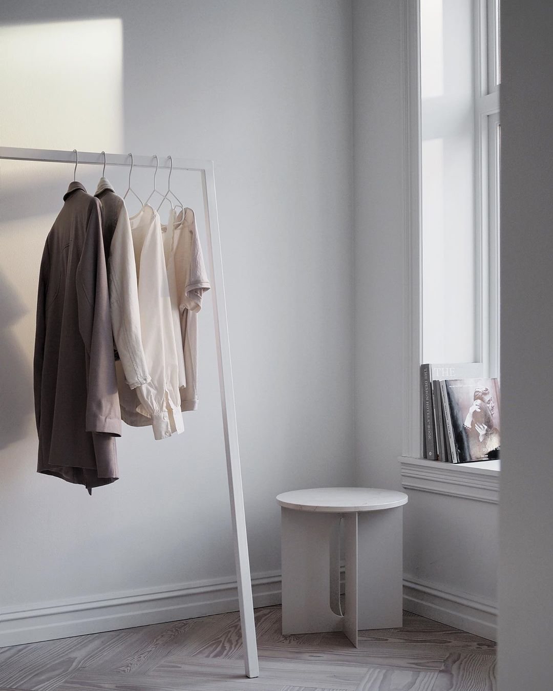 "1,175 gilla-markeringar, 22 kommentarer - Elisabeth Heier (@elisabeth_heier) på Instagram: ""Clearing out furniture and props from the studio and transforming it back to my home in the…"""