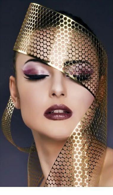 I love this fashion makeup