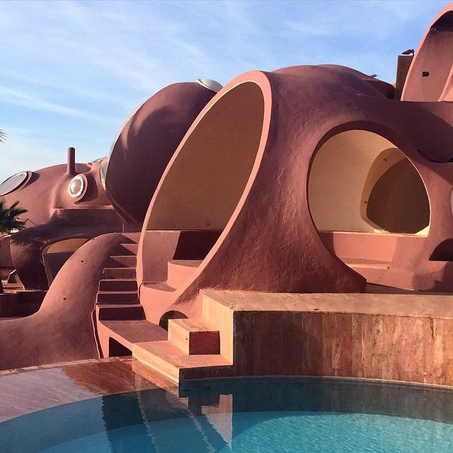 In this week's Journal, we spotlight Maison Bernard (aka Palais Bulles) in Théoule-sur-Mer, designed by Hungarian architect Antti Lovag.…