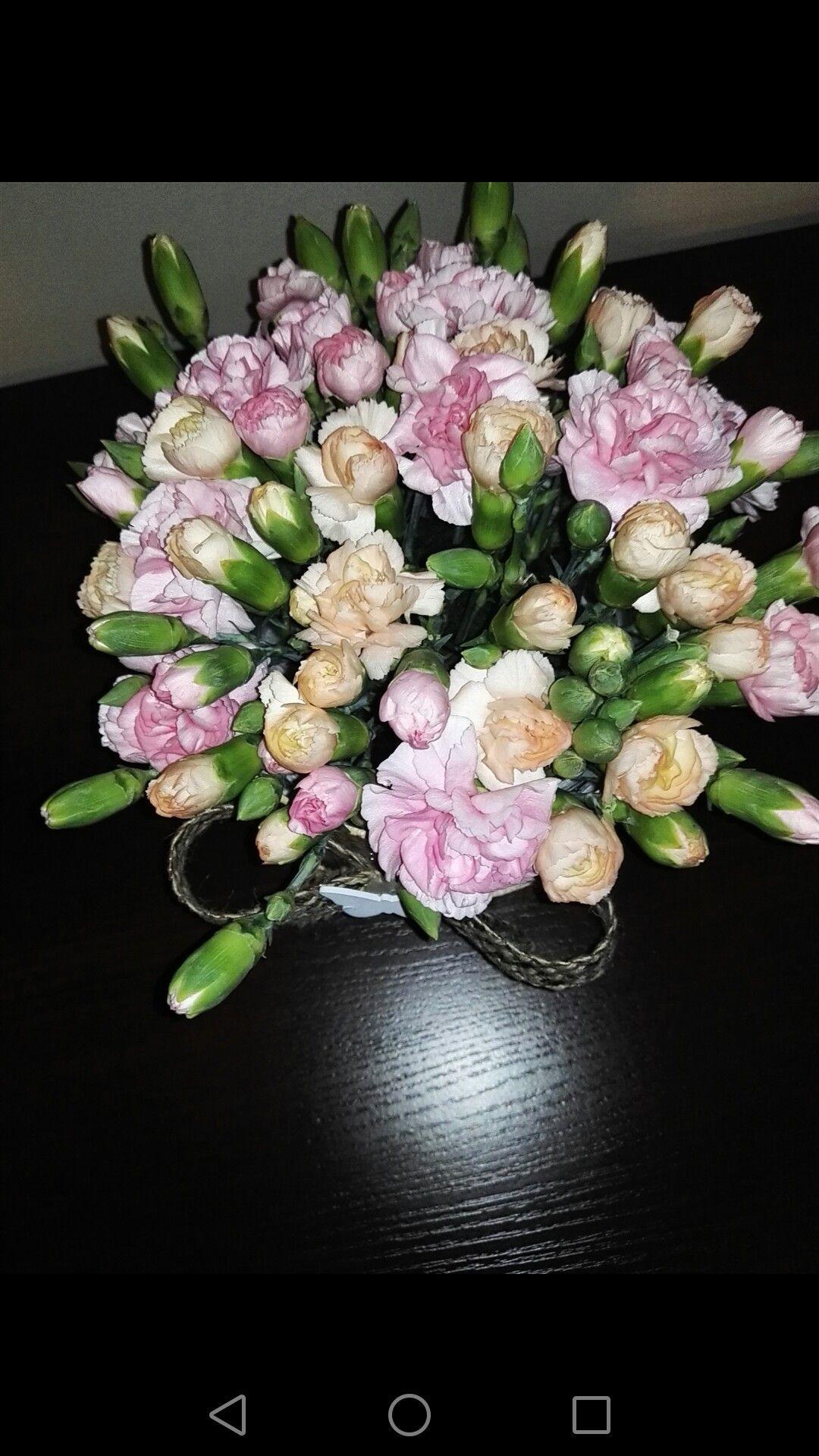 Home Made Flower Box Kwiaty W Pudelku Pomysl Na Bukiet Nowosc Homemade Flowerbox Kwiatywpudelku Pomysl Na Bukiet Now Floral Wreath Floral Home Decor