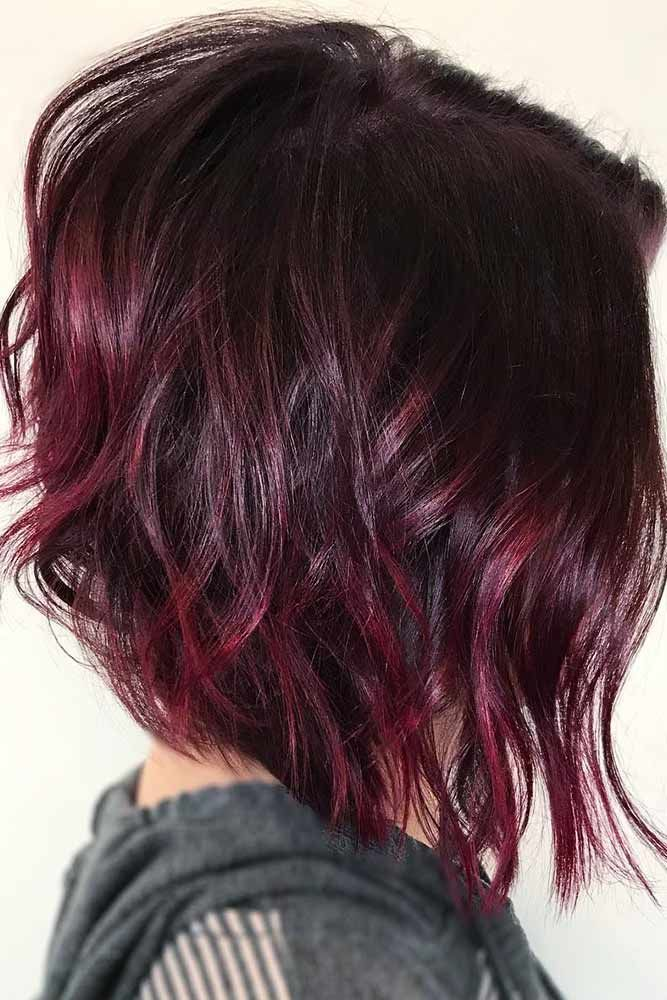 Beautiful Wavy Inverted Bob With Red Highlights #hairhighlights #wavyhair ★ All the inverted bob hairstyles: stacked, choppy, short, curly, with side bangs, with layers, are gathered here! #glaminati #lifestyle #invertedbob