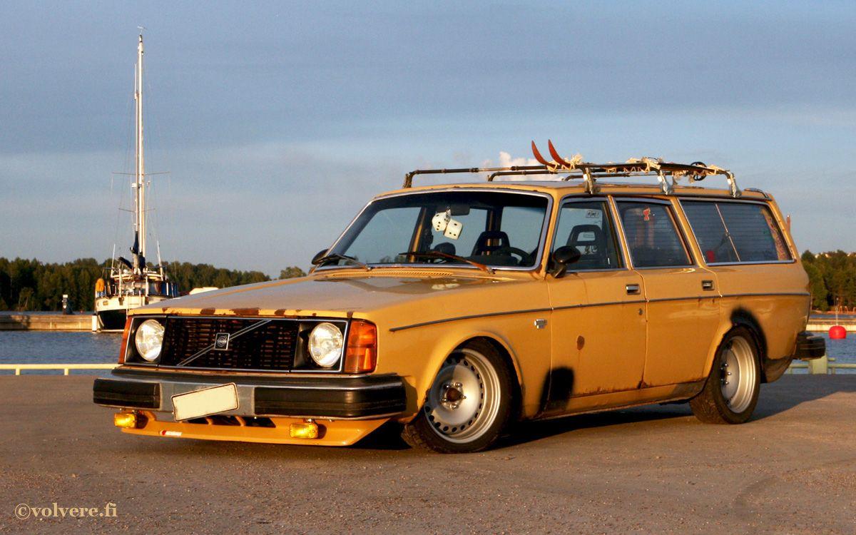 Volvo 240 Wagon Custom #210