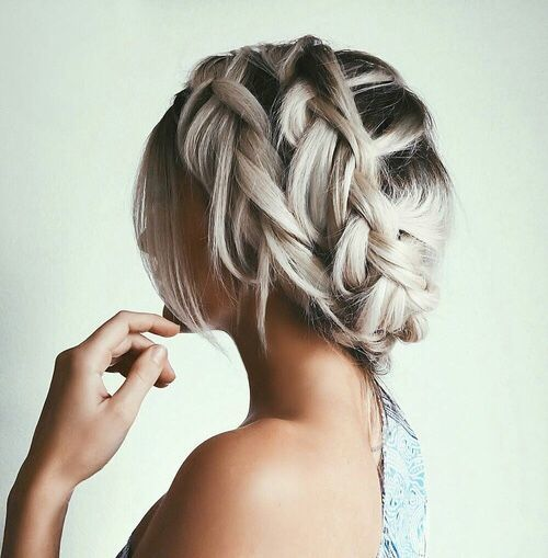 "Braided Updo // <a href=""http://brokeandchic.com"" rel=""nofollow"" target=""_blank"">brokeandchic.com</a><p><a href=""http://www.homeinteriordesign.org/2018/02/short-guide-to-interior-decoration.html"">Short guide to interior decoration</a></p>"