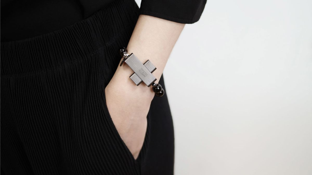 A Vatican Endorsed Wearable Inspires Faithfully Fit Habits – Design Milk