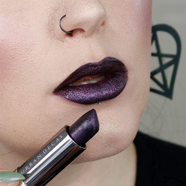 Urban Decay Vice Lipstick in Voodoo lip swatch