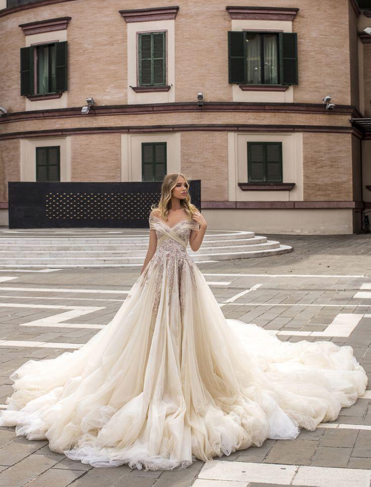 #wonaconcept #WONÁConcept#wedding #weddingcollection #eveningcollection #weddingdress #bridalgown #bride #dreamdress #bridesinspiration #eveningdress #weddingdresses #modernweddingdress #stylish #modern #luxury #wedding #bridetobe