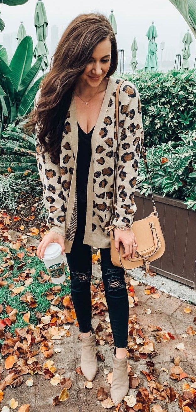 white and black floral long sleeve dress #winter #outfits