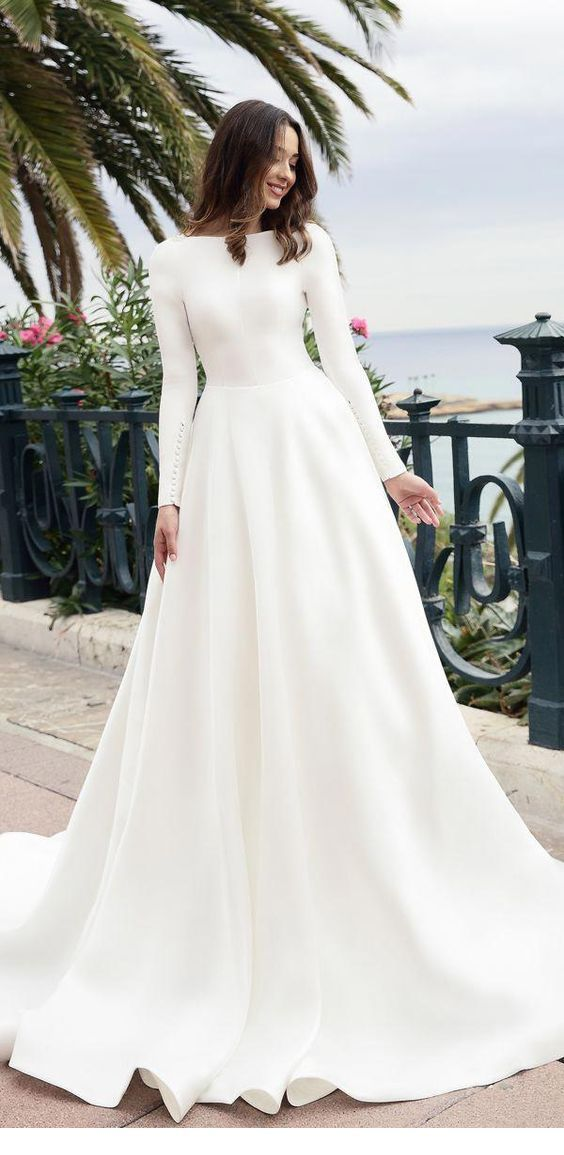 Wedding dress for fall-winter