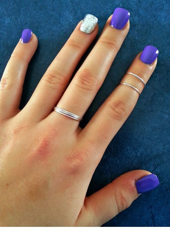 Purple nails with simple rings