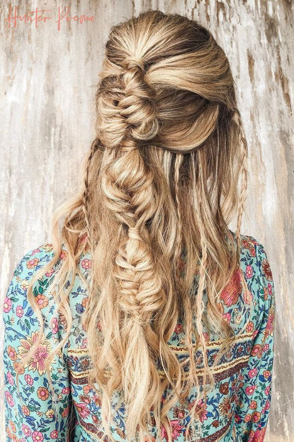 A little Sunday night braid inspo ✨Boho Braid for long hair. Style by @jessicamillerhair + color by @hayliemaxwell. Hunter Premo #HunterPremo #BohoStyle #Hairstyle #Braids #BohoBraid